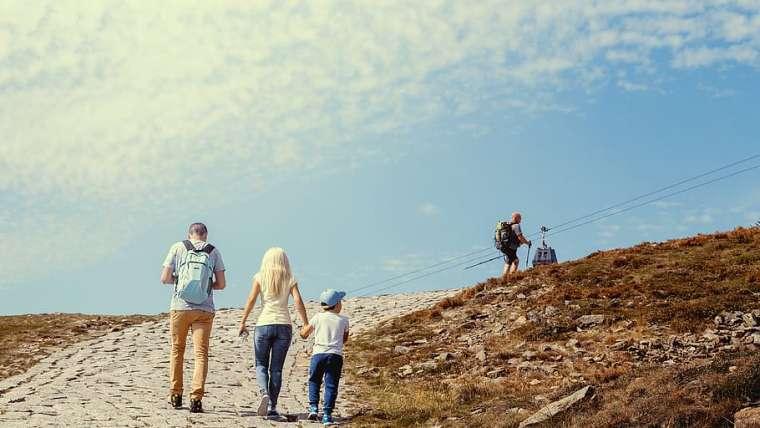 Czym skorupka za młodu nasiąknie – o znaczeniu aktywności fizycznej rodziców małych dzieci