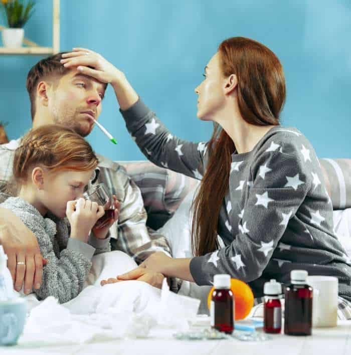 Jak pozostać zdrowym, gdy któryś z domowników zachoruje?