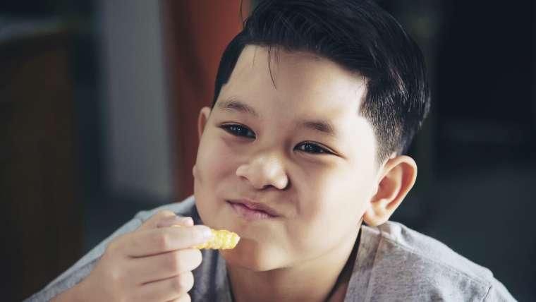 Jak zapobiec nadwadze dziecka – o znaczeniu zdrowego odżywiania od najmłodszych lat