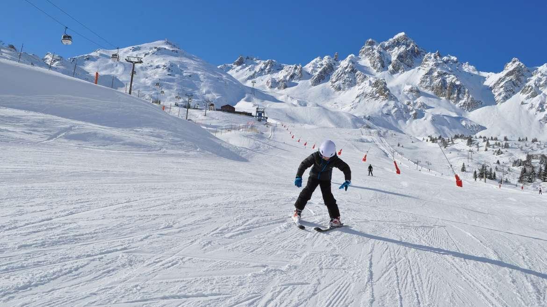Jak wygląda nauka w zagranicznych szkółkach narciarskich?