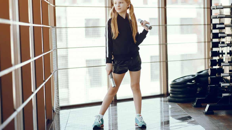 Nastolatek na siłowni – kiedy zacząć i jak trenować?
