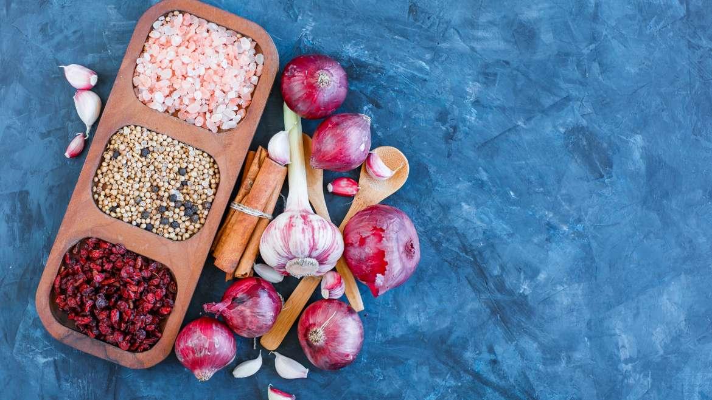 Naturalna antybiotykoterapia dla całej rodziny – co jeść, aby nie chorować?