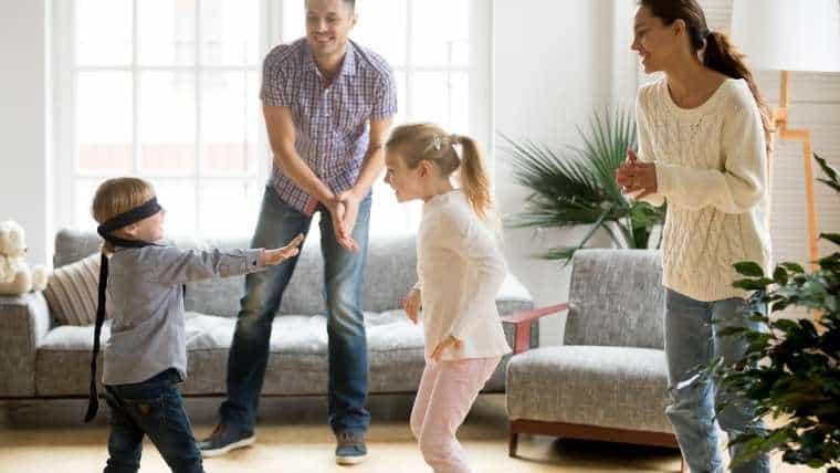 Najlepsze dziecięce zabawy ruchowe na niepogodę