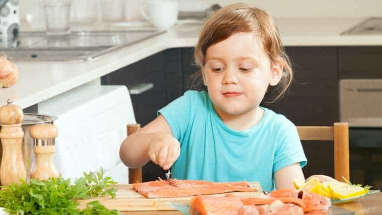 Dlaczego aktywne dzieci powinny spożywać ryby?