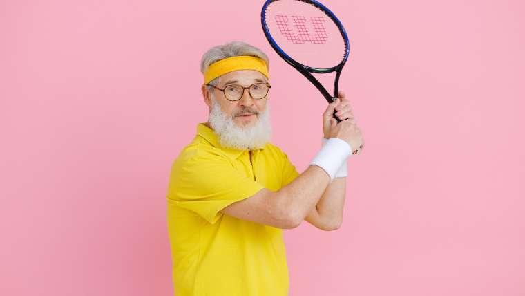 Jak regularna gra w tenisa wpływa na organizm seniora?