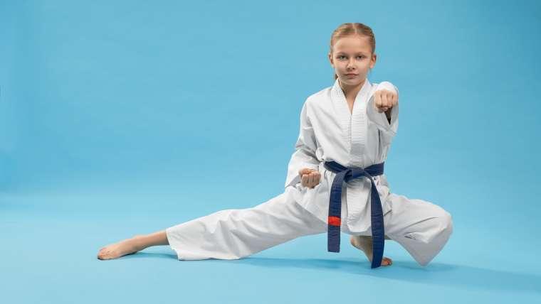 Karate dla dzieci – szkoła charakteru od najmłodszych lat
