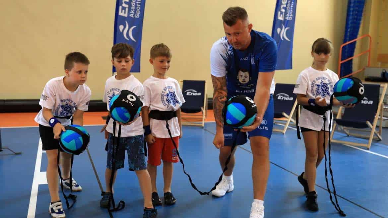 Jak brać przykład, to z najlepszych! Gwiazdy sportu zachęcają dzieci i młodzież do aktywności fizycznej