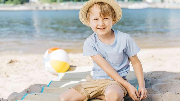 Jak uchronić aktywne dziecko przed udarem słonecznym?