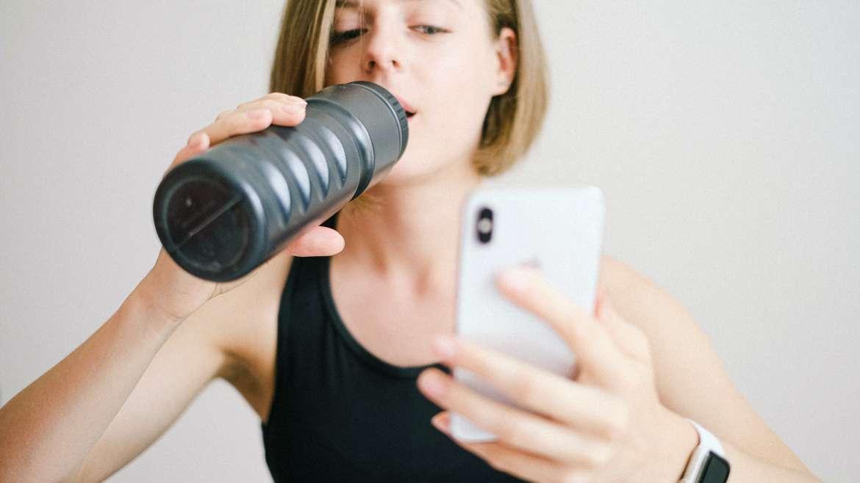 Jak uzupełniać niedobory elektrolitów po wysiłku fizycznym – poradnik dla aktywnych rodzin